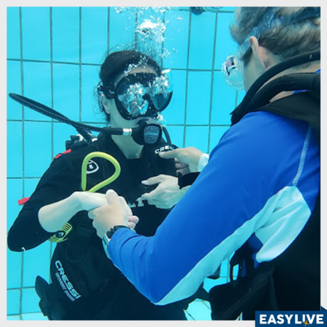 Curso de mergulho introdutório em piscina - iniciantes